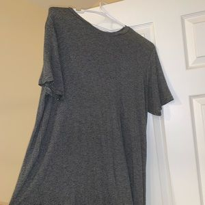 BRANDY MELVILLE TSHIRT DRESS. GREAT CONDITION.